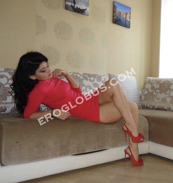 Valeria, 34